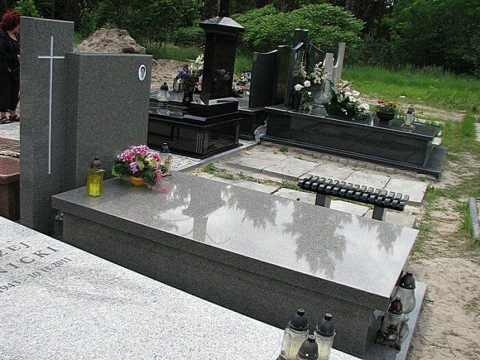 Kamieniarz Białobrzegi