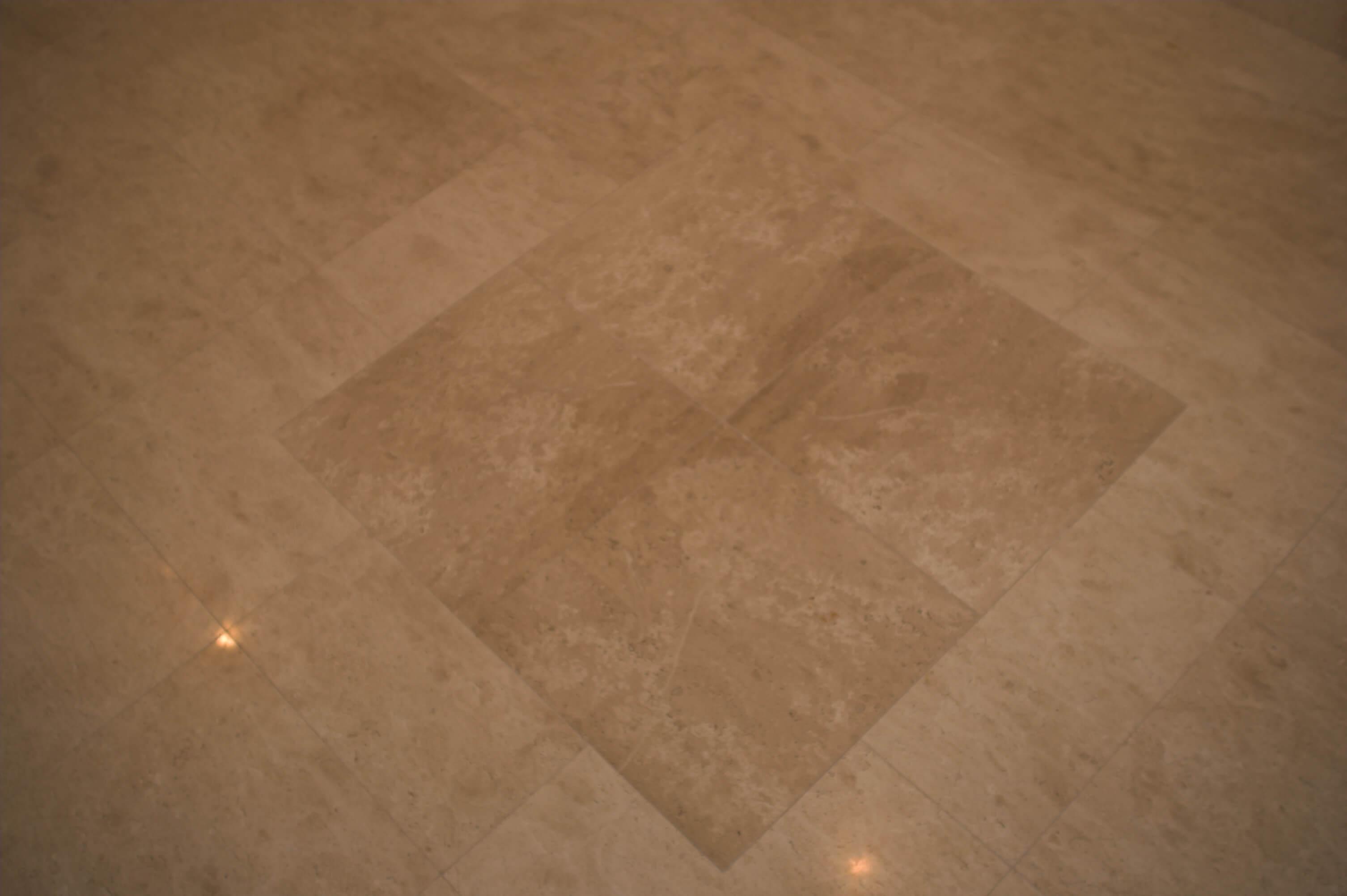 podłoga z marmuru