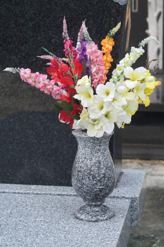 wazon granitowy ciechanów