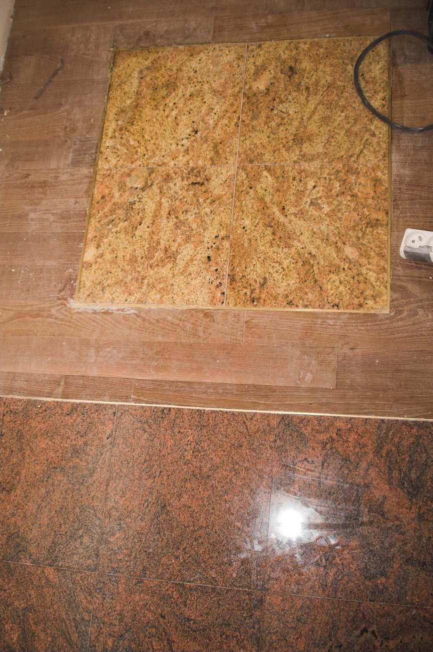granit z drewnem