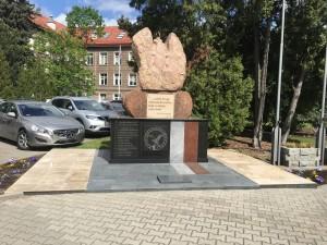 odnowienie pomników granitowych