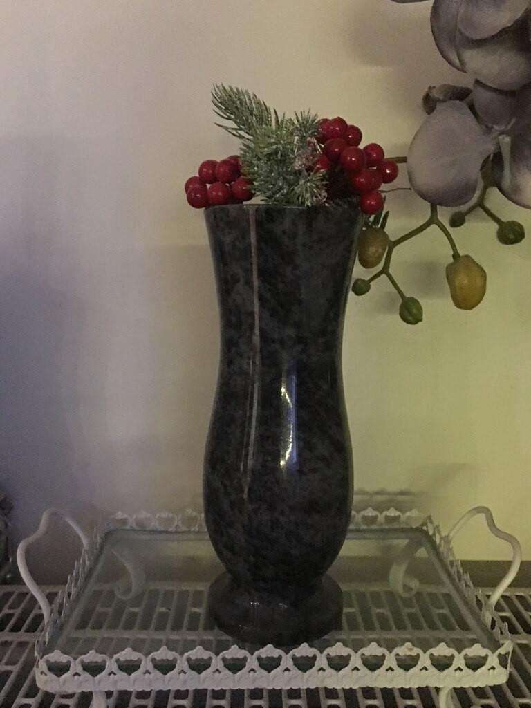 wazon granitowy ciemny