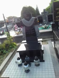 pomniki urna warszawa