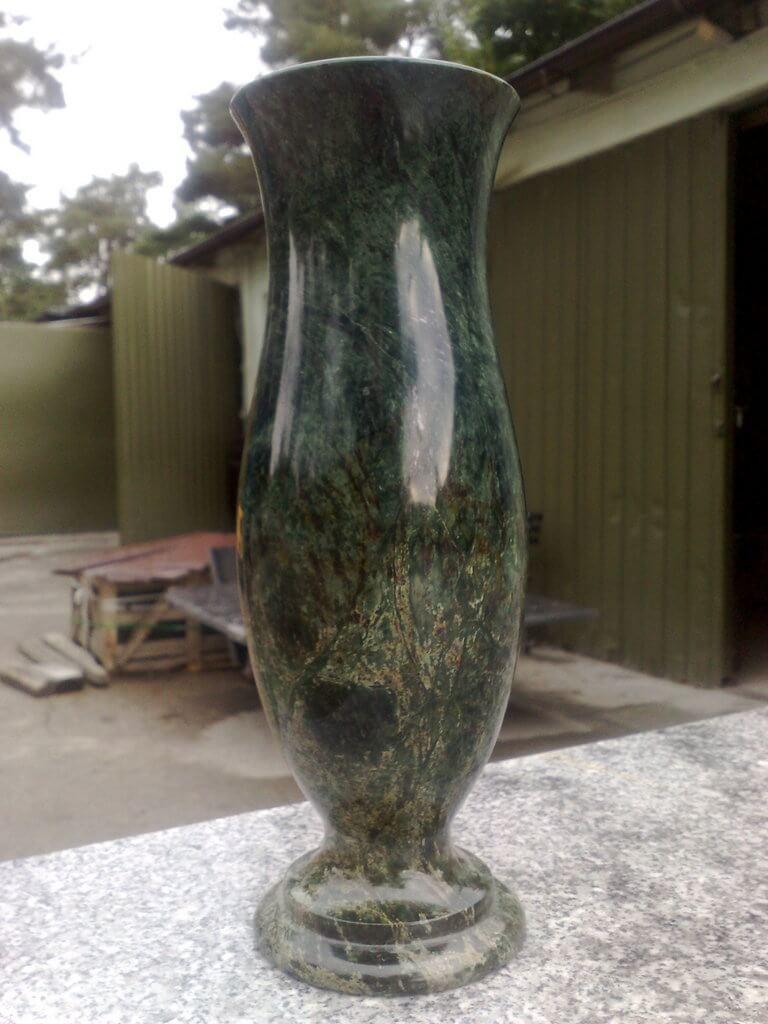wazon zielony granit
