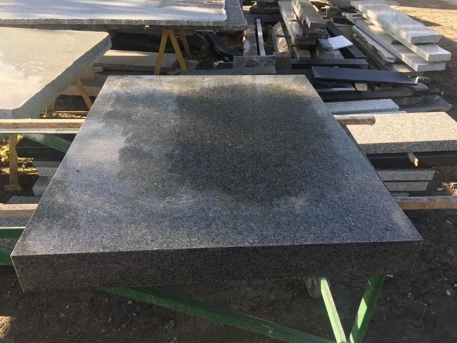 granit Bohus szary