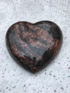 serce z granitu dom