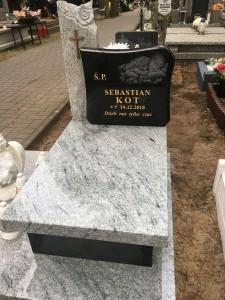 pomnik dziecięcy granit warszawa