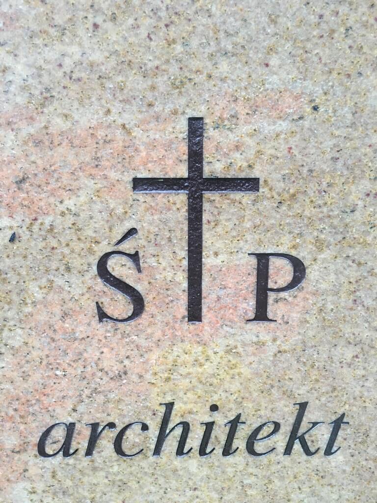 pomnik granitowy ganges Otwock
