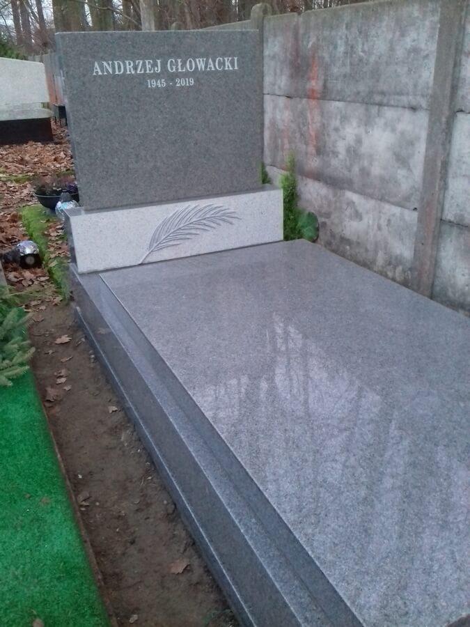 pomnik granit komorów