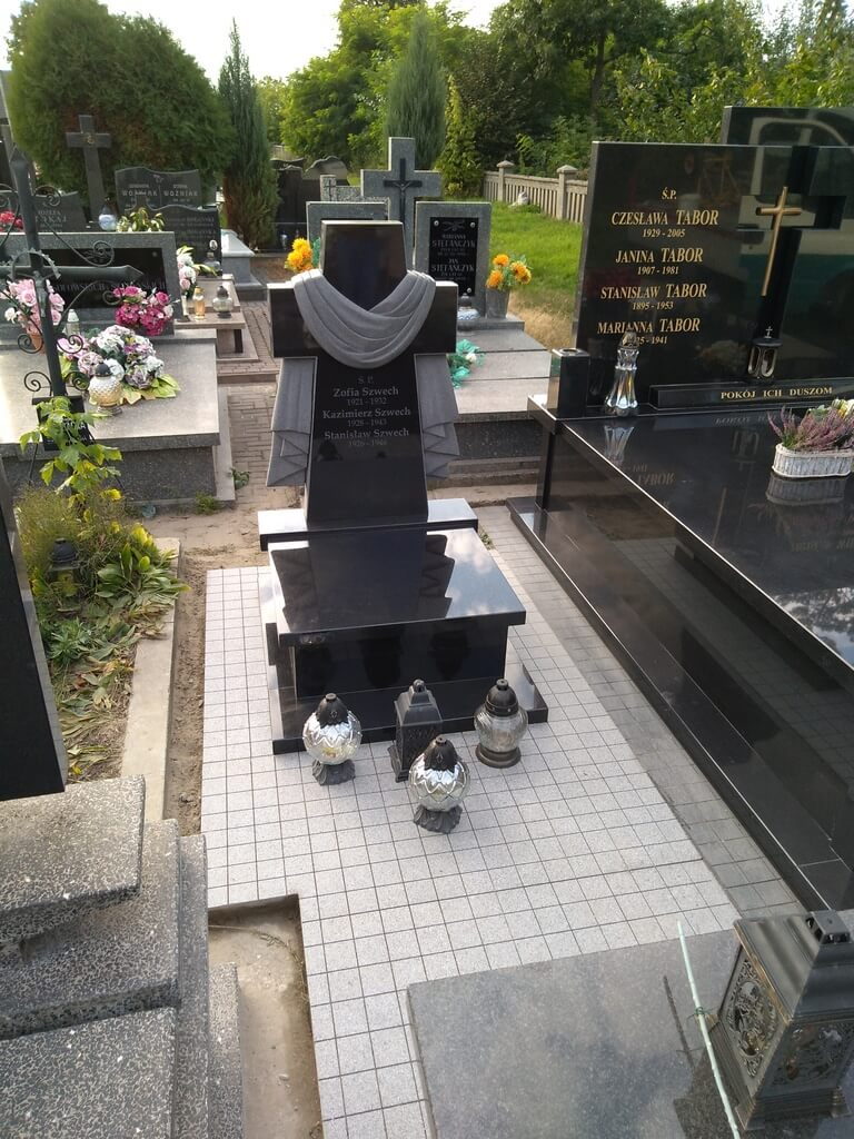 pomnik urnowy granitowy