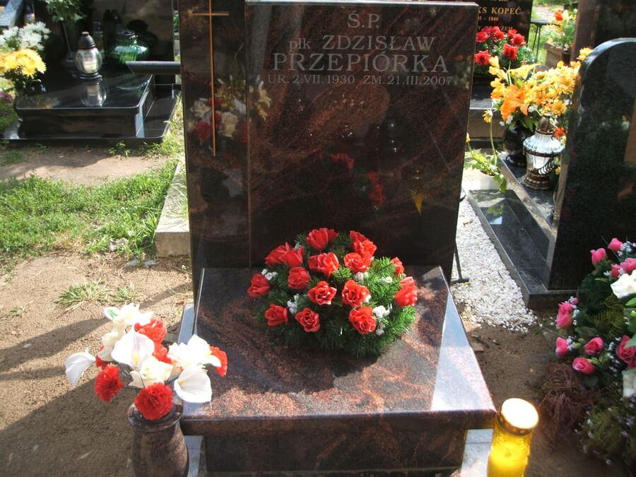 pomnik urnowy Powązki