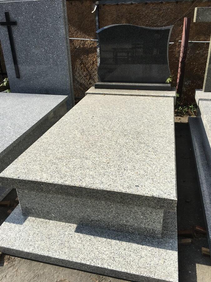 nagrobki pojedyncze granit stzegomski