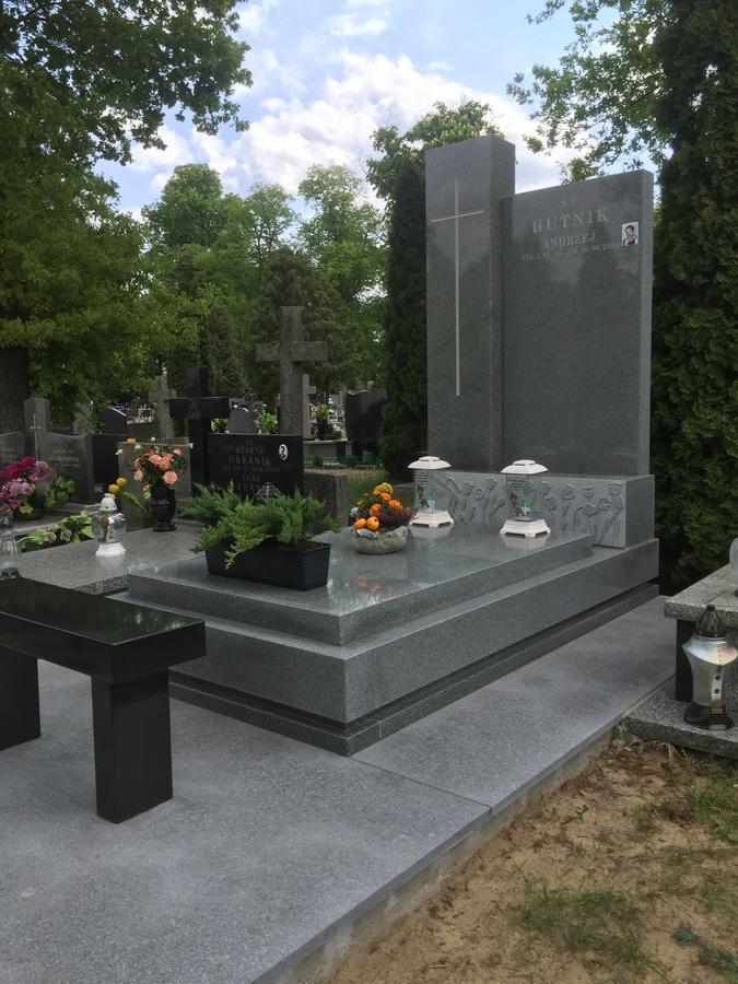 pomniki granitowe szare mazowieckie