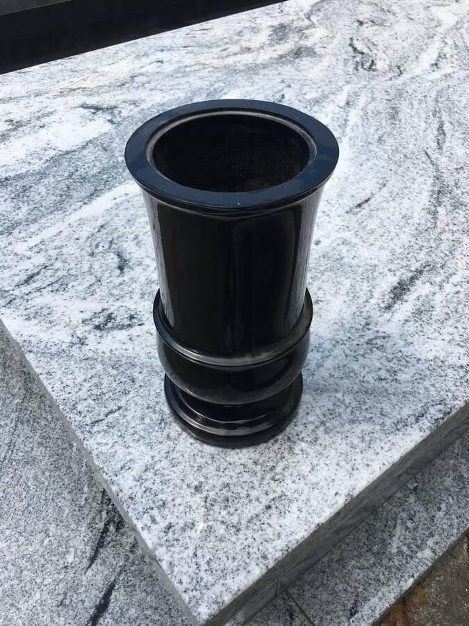 wazon z granitu warszawa