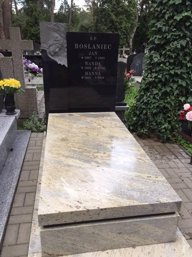 pomnik granit kashmir white