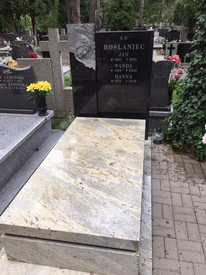 pomnik granitowy kashmir warszawa