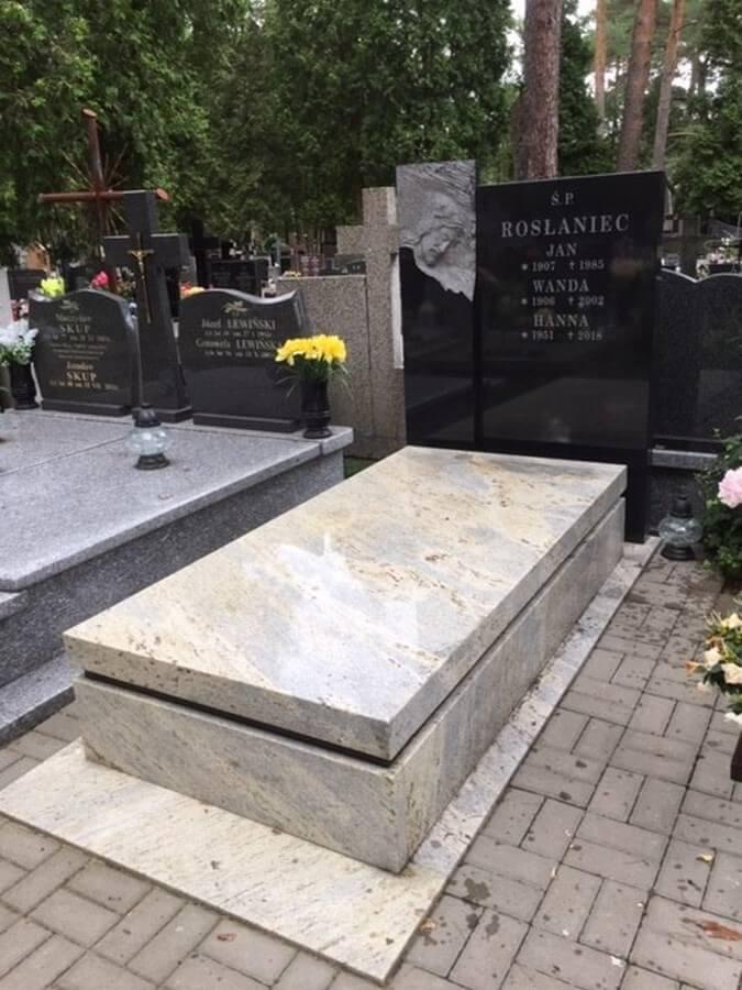 pomnik kashmir white