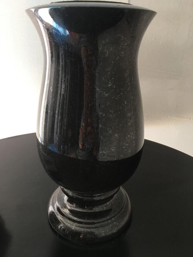 wazon czarny szwed