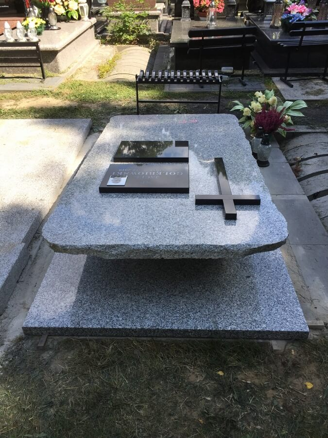 nagrobek leżak cmentarz prawosławny