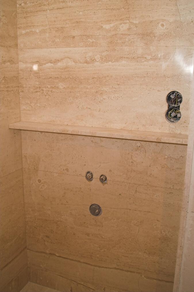 marmur w łazience przykłady