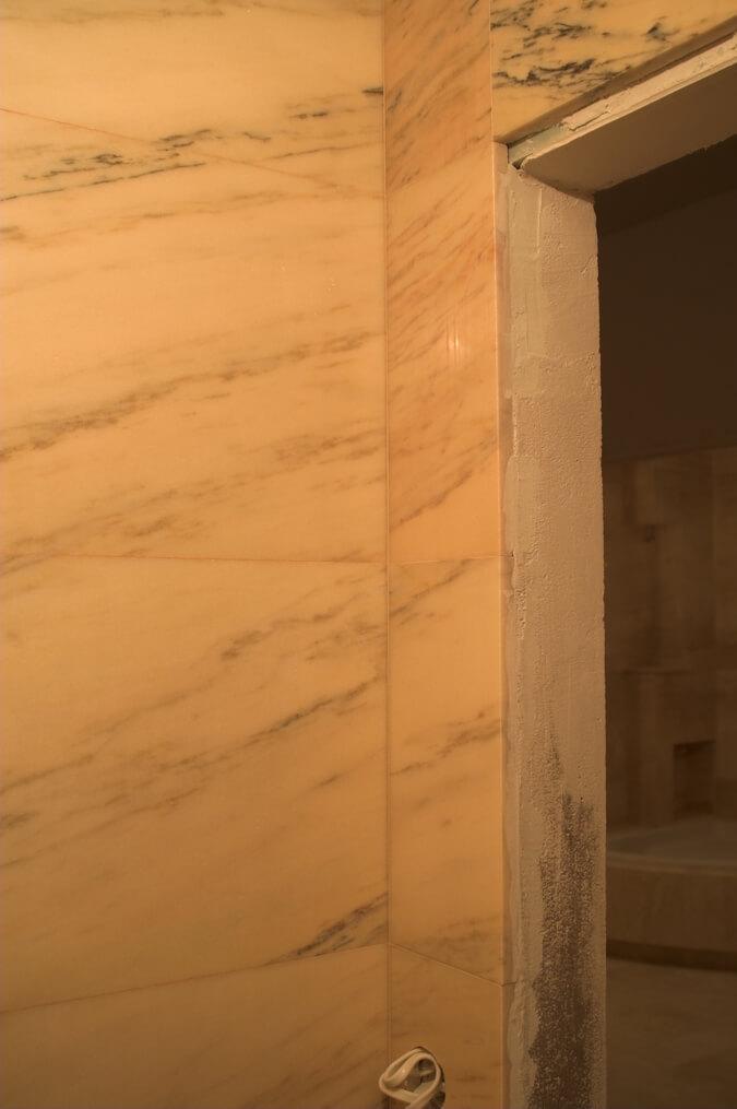 elegancka łazienka marmur