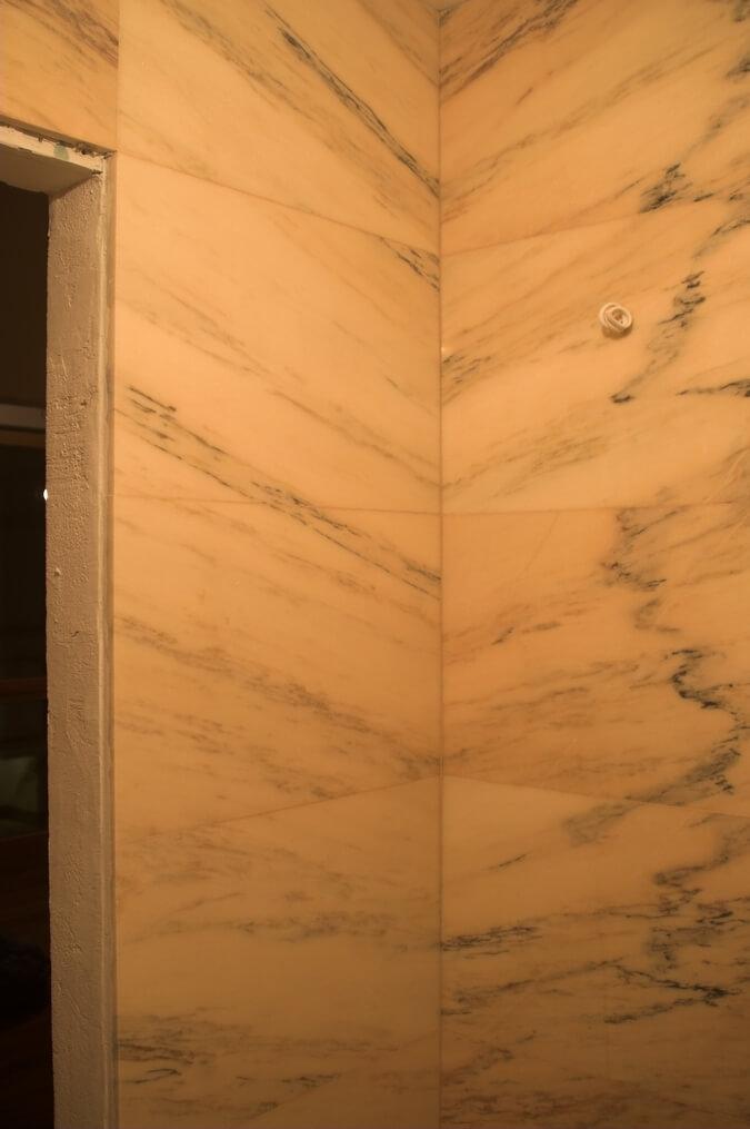 elegancka łazienka w marmurze
