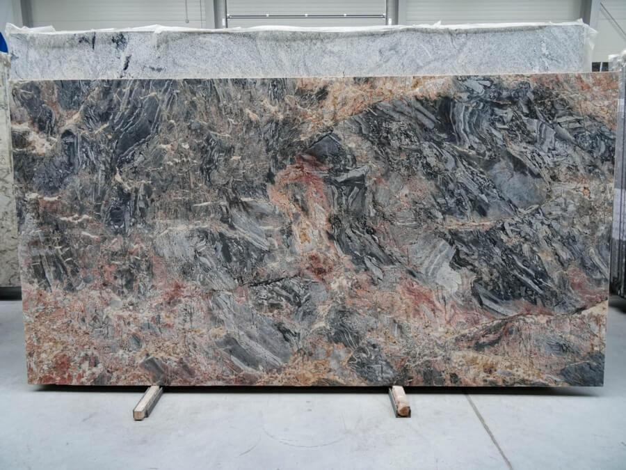 lava oro granit
