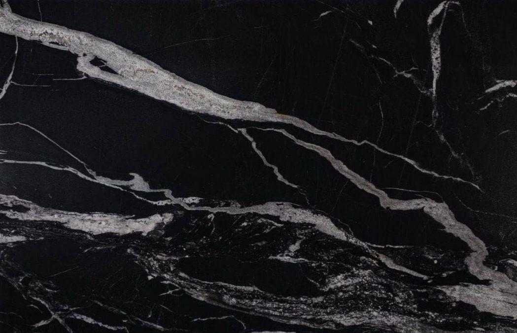 granit thunder black przykład