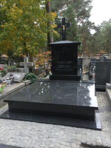 nagrobek rodzinny czarny granit warszawa